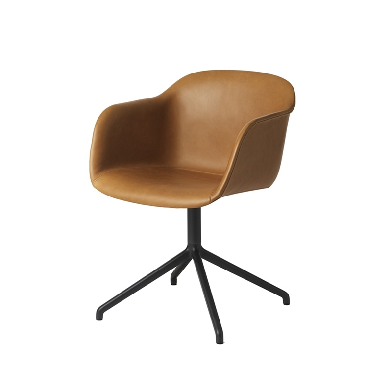 fiber armchair pied central coque cuir petit fauteuil muuto silvera. Black Bedroom Furniture Sets. Home Design Ideas
