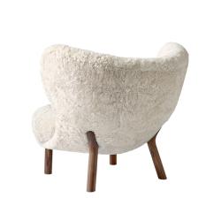 Fauteuil And tradition LITTLE PETRA VB1 peau de mouton