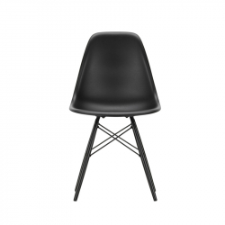 Chaise EAMES PLASTIC CHAIR DSW érable noir VITRA