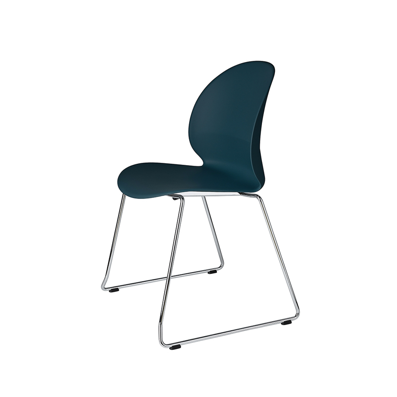 Chaise Fritz hansen N02 RECYCLE piétement luge