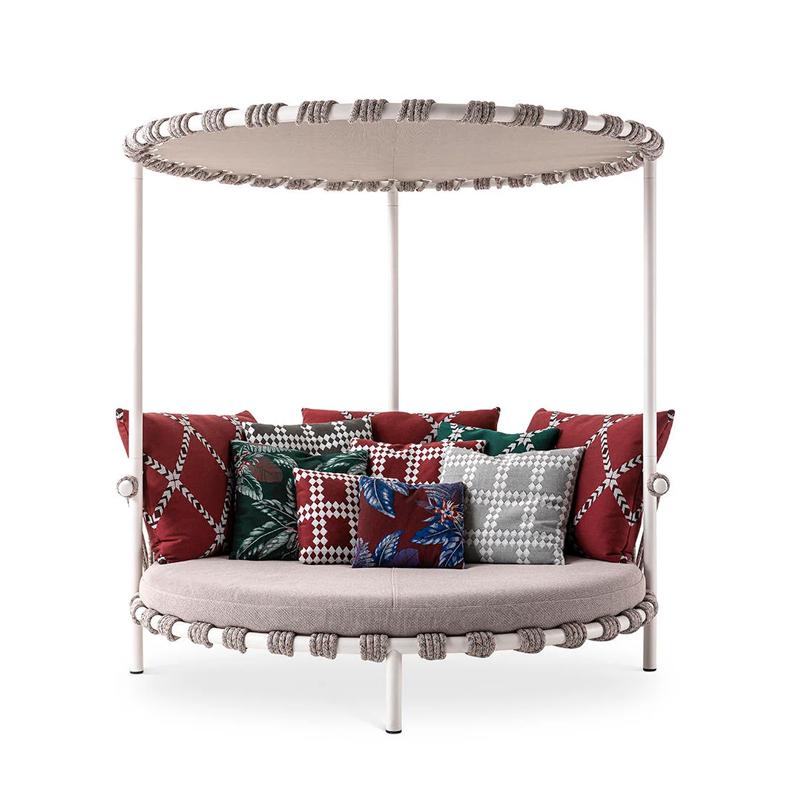 Canapé extérieur Cassina Love Bed TRAMPOLINE avec canopée
