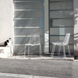 Chaise et petit fauteuil extérieur Arper LEAF
