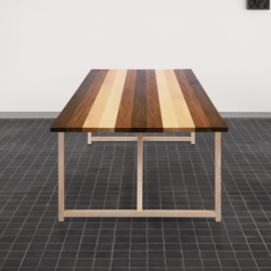 Bureau Bassamfellows STRIPE TABLE