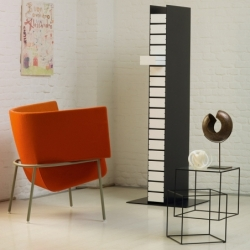 Table d'appoint guéridon Cappellini THIN BLACK TABLE