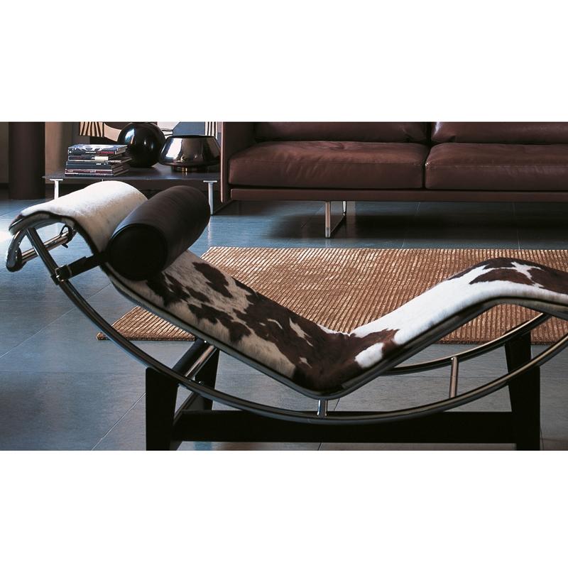 Chaise longue LC4 peau tachetée