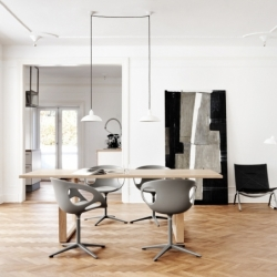 Table Fritz hansen ESSAY